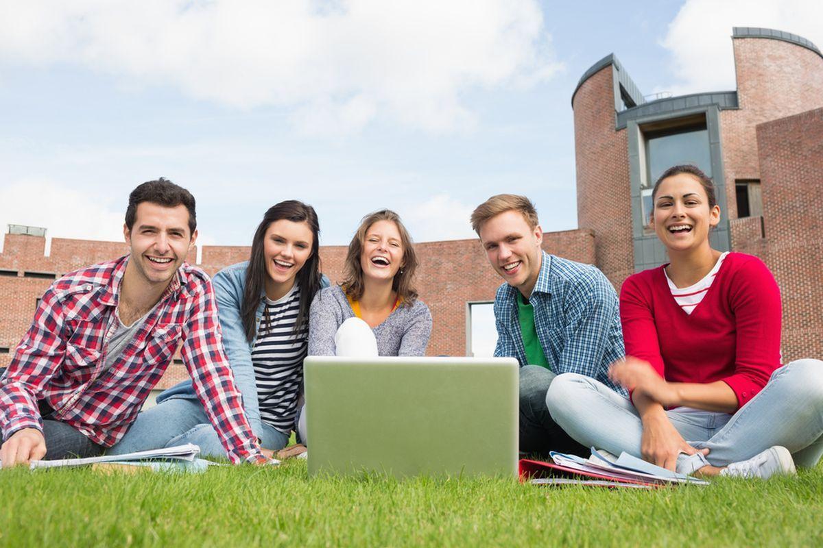 Весёлые студенты Humboldt-Institut