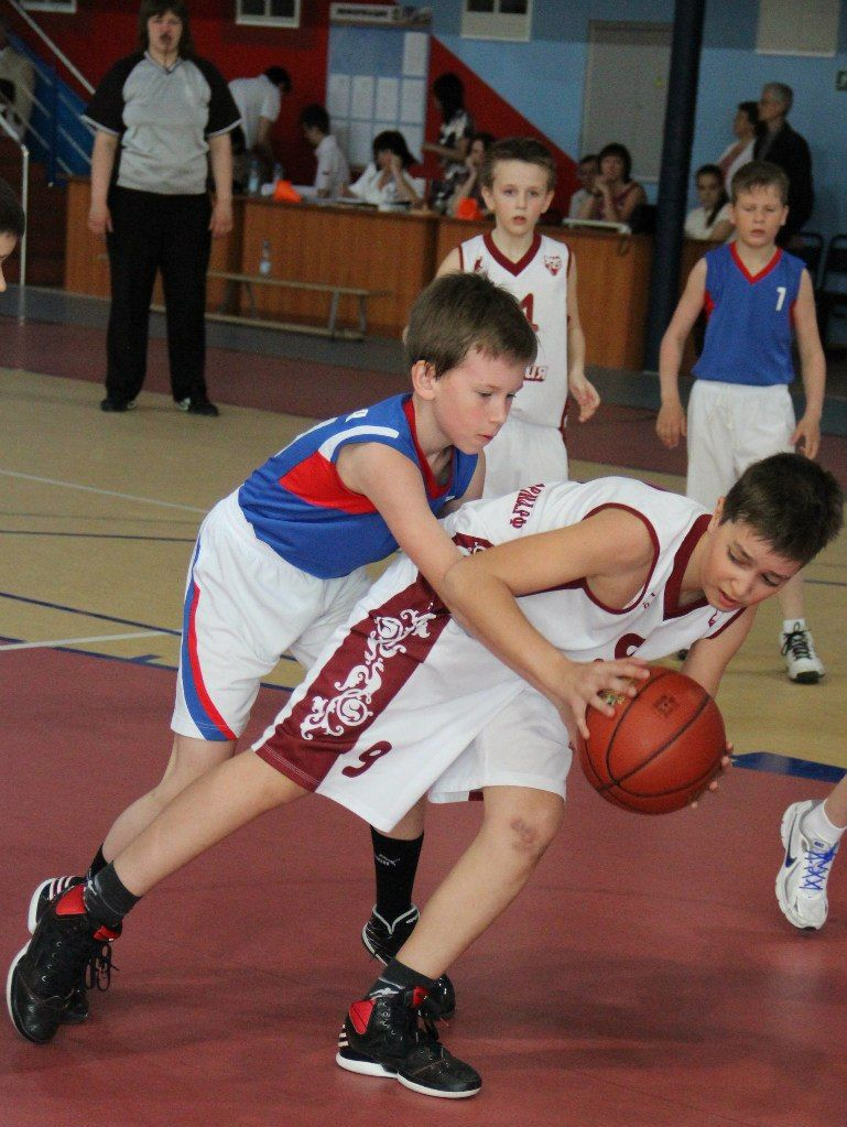 Баскетбол в Aston Football and Basketball Camp