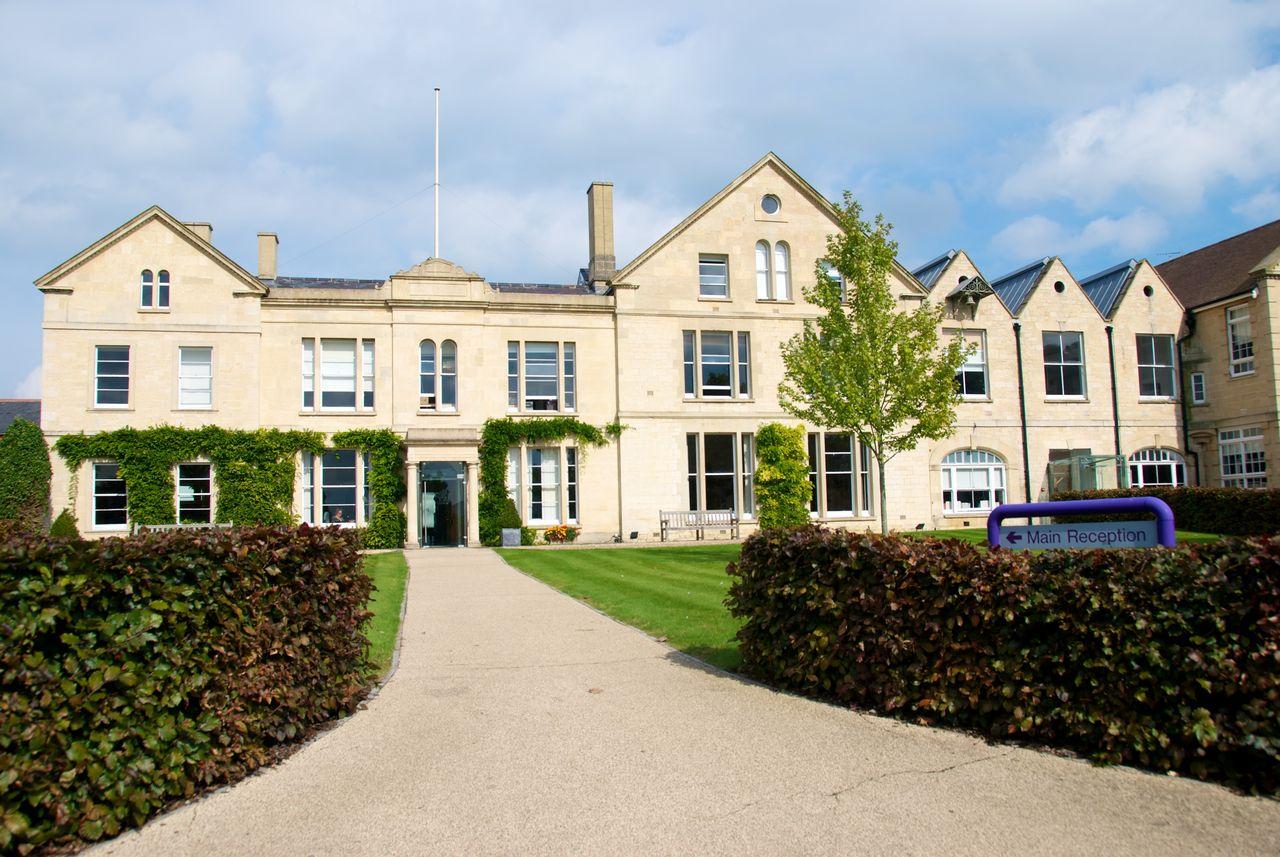 Школа British Study Centre - Wycliffe College